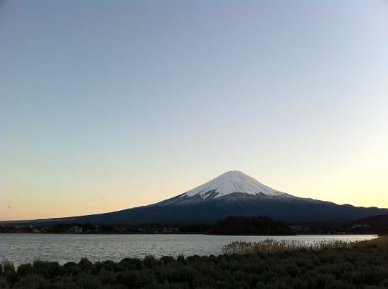 Fujikawaguchiko-machi, Nhật Bản: 大石公園から富士を望む。