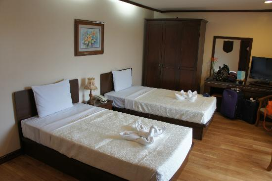 Vista Marina Hotel: VM deluxe room with 2 twin beds
