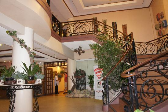 Vista Marina Hotel and Resort: SPH lobby