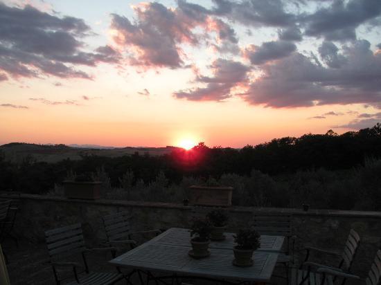 Agriturismo Cerreto: dalla terrazza per barbecue e/o colazione