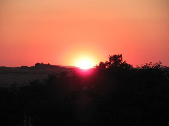 Agriturismo Cerreto: tramonto al cerreto