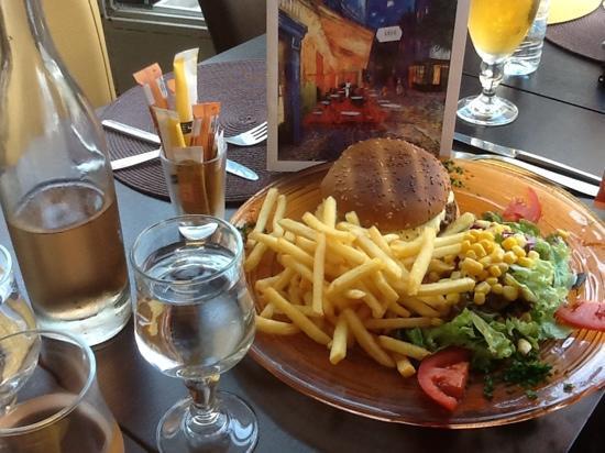 Le Grillon: the hamburger