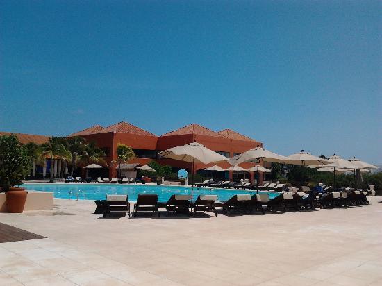 Piscine et buffet principal photo de club med cancun for Club piscine montreal locations