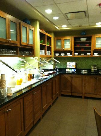 Hyatt Place Cincinnati Airport/Florence: Half of the breakfast buffet