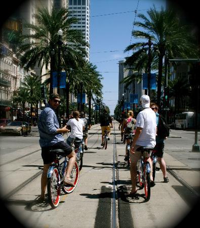 FreeWheelin' Bike Tours : Canal Street