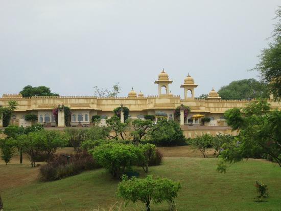 The Oberoi Udaivilas: hotel view