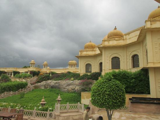 The Oberoi Udaivilas: View of the hotel