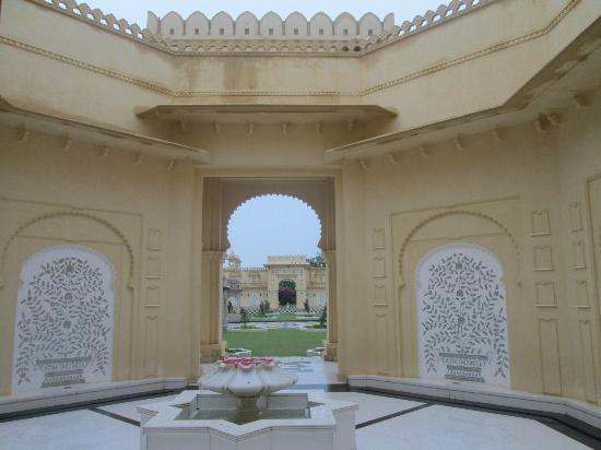 The Oberoi Udaivilas: facade within the hotel