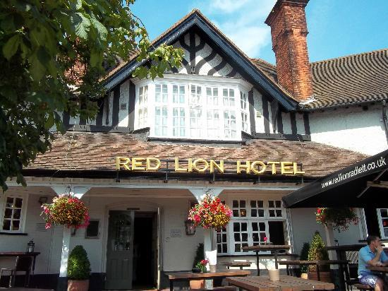 The front of The Red Lion Hotel