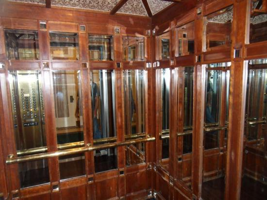 Gaslamp Plaza Suites: The amazing elevator from it's days when this building was a Bank.
