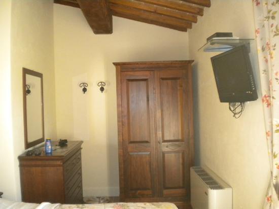 Residenza Porta Guelfa: camera_ armadio