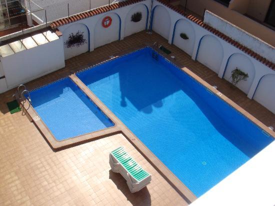 Hotel Mediterrani Express: Piscina