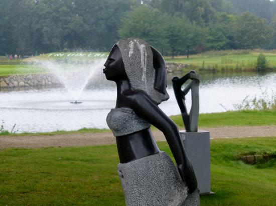 Steigenberger Hotel Treudelberg Hamburg: Skulpturenpark