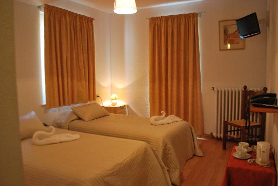 Hotel Roc de Sant Miquel: Twin room with balcony