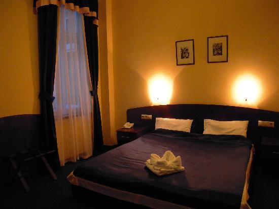 Hotel Central Basilica: côté lit 