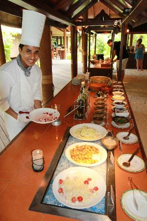 Filitheyo Island Resort: Salad bar