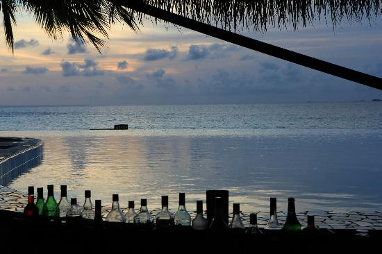 Filitheyo Island Resort: Sunset Bar