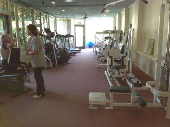 The Oaks at Ojai: exercise machine hallway
