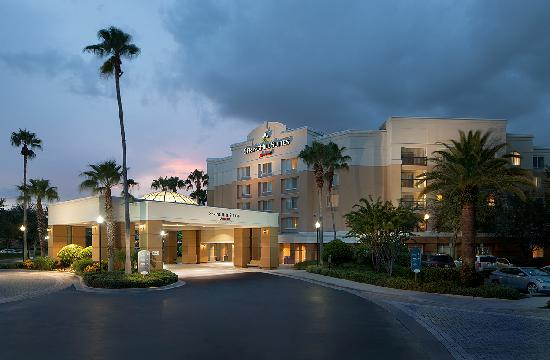 SpringHill Suites Orlando Lake Buena Vista in Marriott Village: Exterior