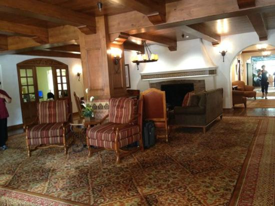 The Oaks at Ojai: front lobby