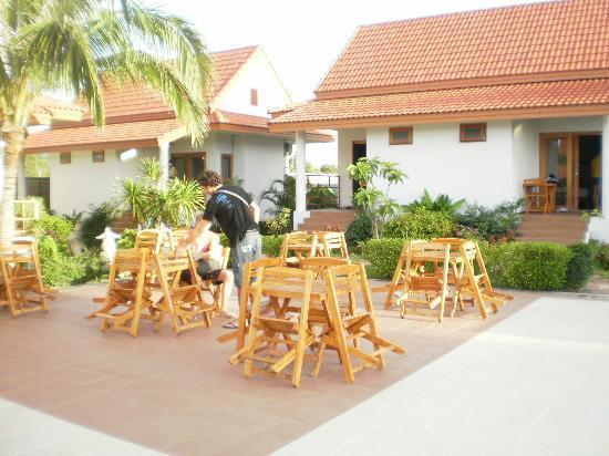 Armonia Village Resort and Spa: tavolini