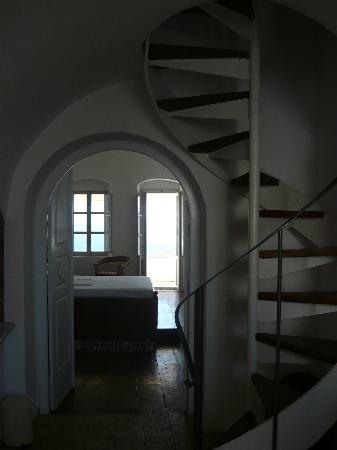 Old Oia Houses: Our venetian house