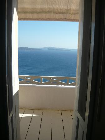 Old Oia Houses: Our balcony and sea view