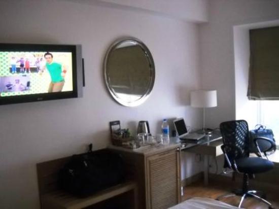 Grand Sarovar Premiere Mumbai: Room