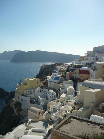 Old Oia Houses: Breathtaking