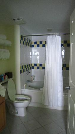Atlantis - Harborside Resort: Bathroom
