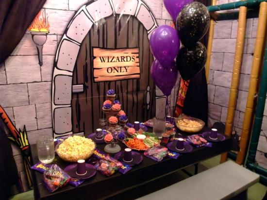 Party add ons cake goodie bags food plus more for Escape room party