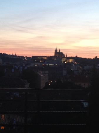 Clarion Hotel Prague Old Town: 호텔에서 보이는 프라하 성