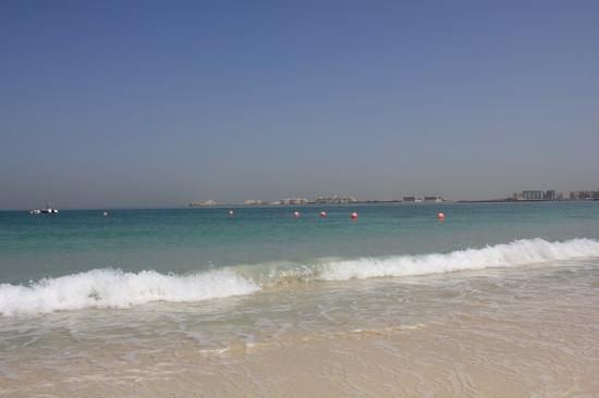 Sheraton Jumeirah Beach Resort: beach waterfront