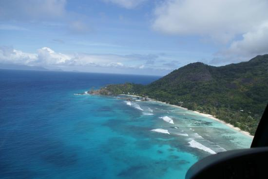 Hilton Seychelles Labriz Resort & Spa : Silhouette on the Heli-ride