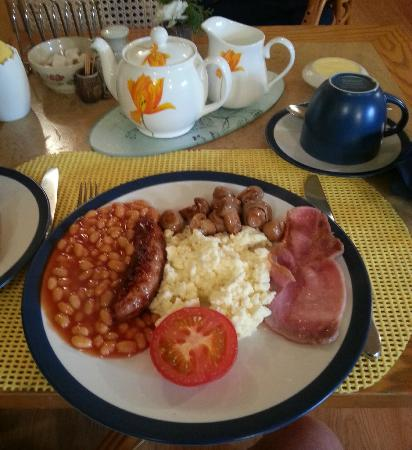 Bay View Guest House : Breakfast is served sir! Lovely