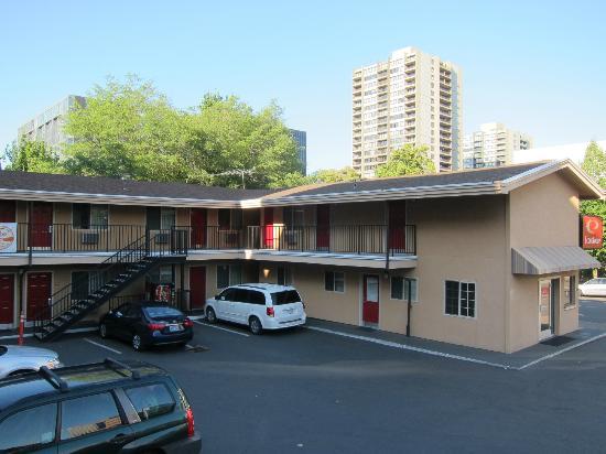 Econo Lodge City Center : Extérieur Motel