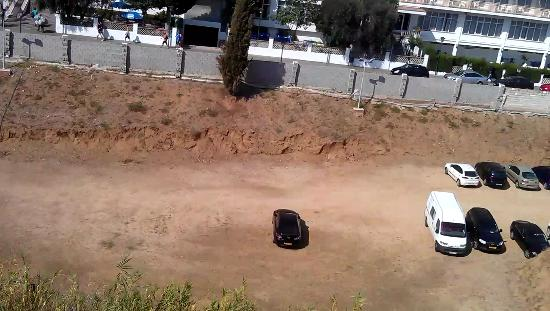 Hotel Esplai : carpark, view from balcony