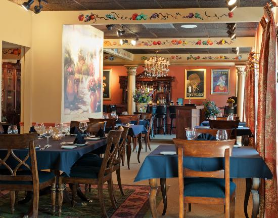 Galileo's: Italian food in a great atmosphere.