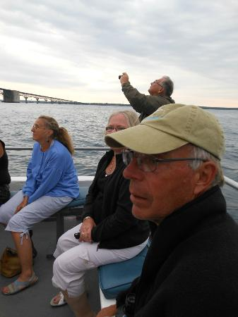 Ugly Anne Boat Cruises: Taking pictures and listening to our tourguide