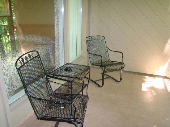 Hemlock Lodge : our balcony
