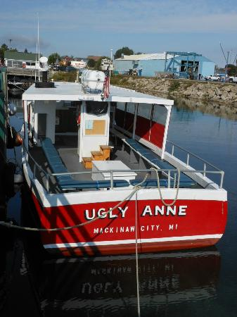 Ugly Anne Boat Cruises : From the back of the boat
