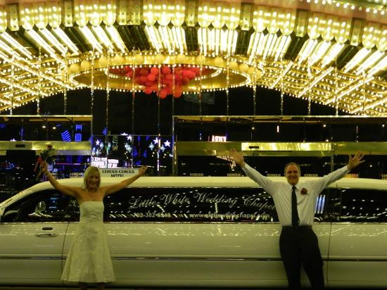 Circus Circus Hotel & Casino Las Vegas: The wedding limo outside the hotel