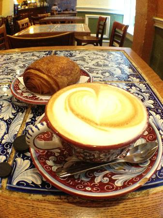La Colombe Coffee Roasters: Cappuccino and pain au chocolat on a rainy Sunday morning