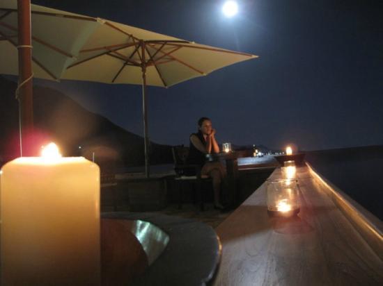 Full moon & Yacht Club candles lighting