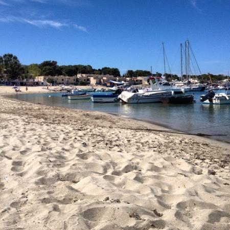 Spiaggia di San Vito lo Capo : il porticciolo...