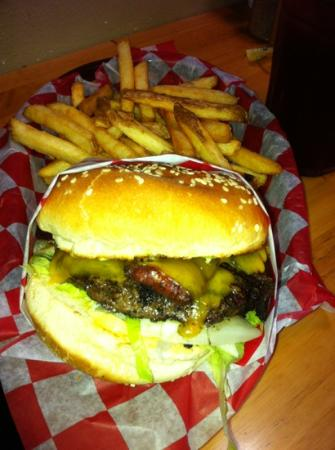 Haley's Sports Bar & Grill: Jalapeño Bacon Cheeseburger , Haley's, Friday Harbor, WA