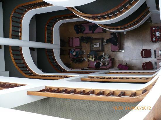 Hotel Hacienda Plaza de Armas: Vista del el tercer piso a la recepción