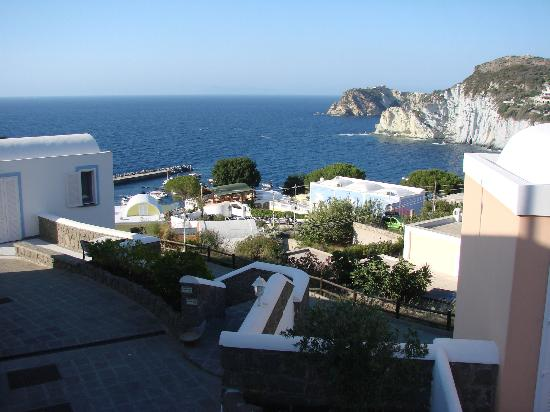 هوتل فيلاجيو دي بيسكاتوري: Veduta di Cala Feola dall'Hotel 