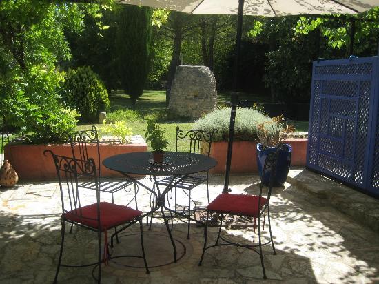 Le Mas de la Fontanelle : Terrasse