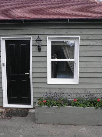 Peace & Plenty B&B: Private door to your room